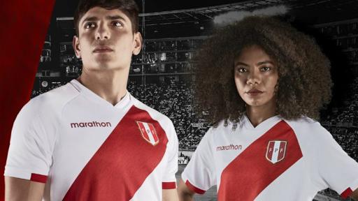 Los banderazos de los hinchas adornan las nuevas camisetas de Perú
