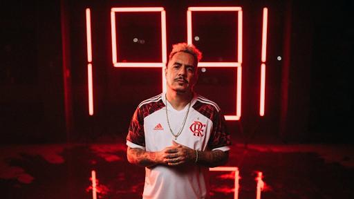 Flamengo vuelve a aplicar la técnica del origami para su camiseta alternativa 2021